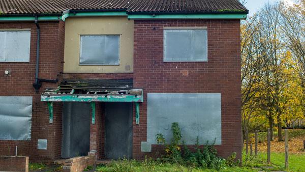 Empty-derilict-house