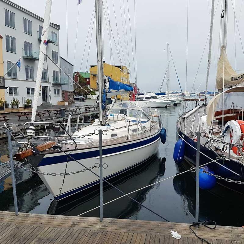 White-Eagle-Hallberg-Rassey-36-Torshavn-Faroes