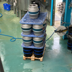 Brewery-floor-with-kegs