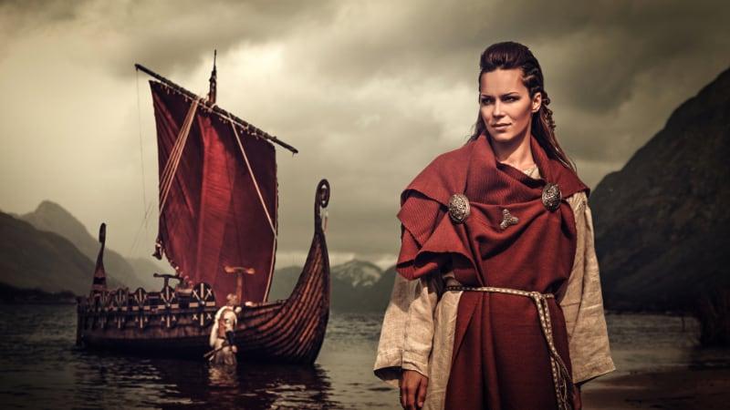 Viking_longboat_47k